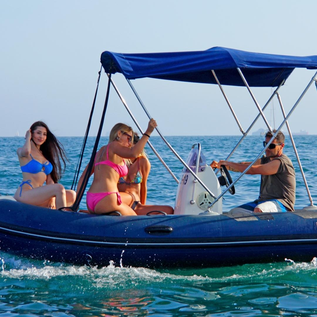 Boat rental service Barcelona with JetScoot