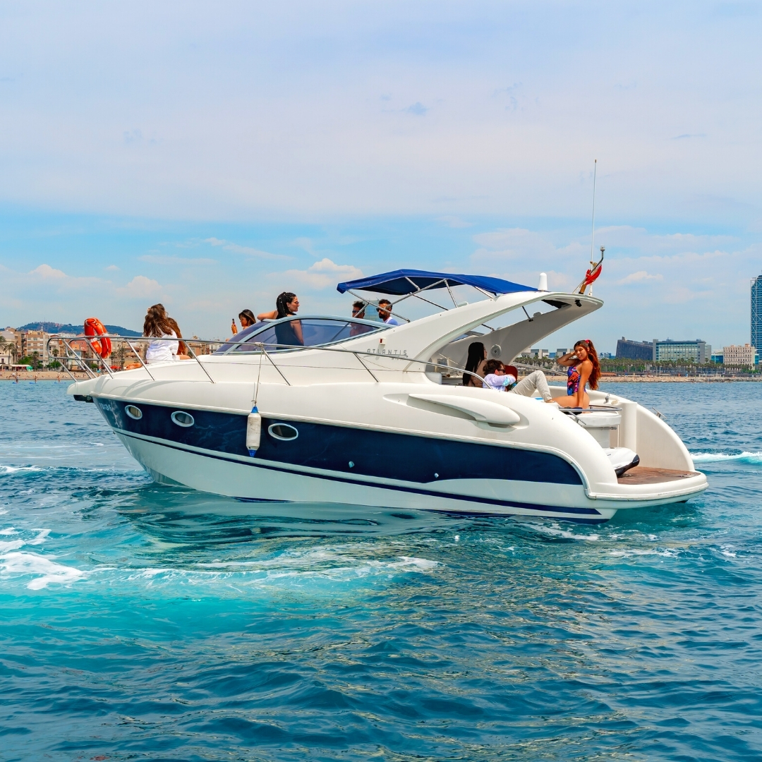 Private yacht charter with friends in Barcelona